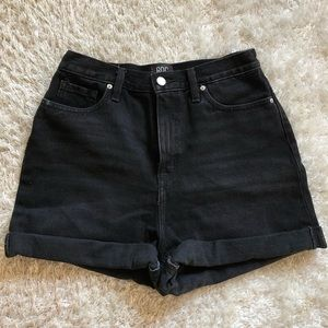 BDG Mom high rise shorts
